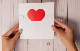 Heart Envelope, Rinck Content Studio at unsplash.com